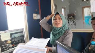 Video CEWEK CANTIK LATAH KETEMU TEMEN LATAH JUGA(AU AU) MP3, 3GP, MP4, WEBM, AVI, FLV Juli 2019