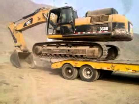 EXCAVADORA CAT - aca como subir una excavdora cat 330d sin ranpa.