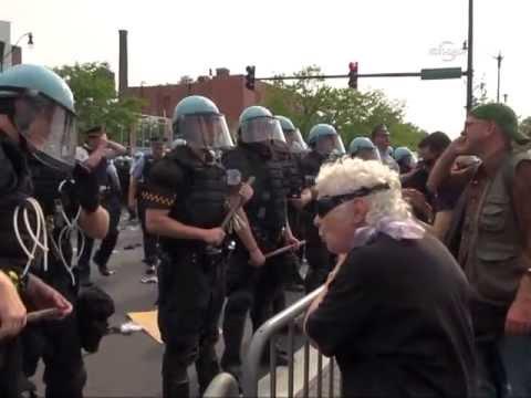 Протесте геген НАТО Гипфел ин Чикаго (Охне Ворте) ЕБРУ ТВ