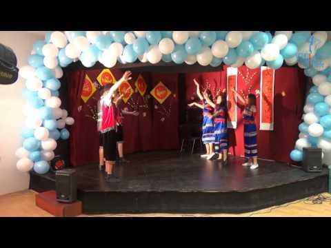Đón Tết Đinh Dậu tại AWO - Tốp múa lớp nhớn
