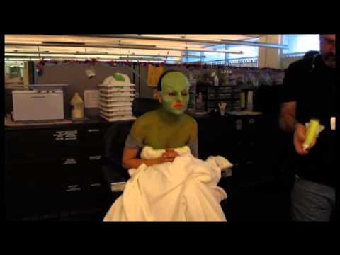 Le Monde Fantastique d'Oz - Featurette Le Maquillage de Mila Kunis !
