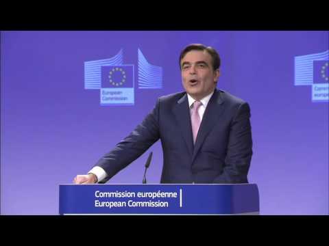 Κομισιόν για τον νέο νόμο της Ελβετίας για τη μετανάστευση