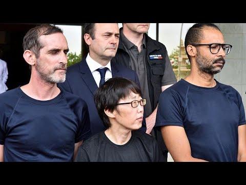 Σπίτι τους επιστρέφουν οι Γάλλοι όμηροι που απελευθερώθηκαν…