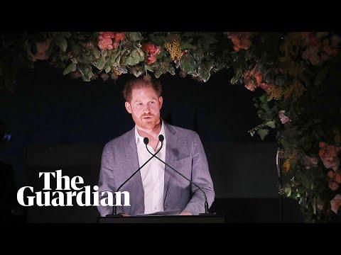 Video - Μέγκαν Μαρκλ -Χάρι: Η μονολεκτική απάντηση της Καμίλα για το σκληρό Megxit