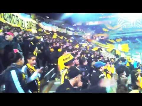 Hinchada De Peñarol vs S  Cristal en el CDS - Barra Amsterdam - Peñarol