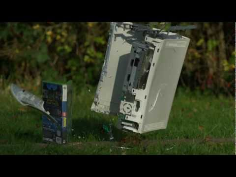 Sledgehammer vs Xbox 360 in Slow Motion – The Slow Mo Guys