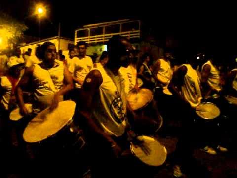Desfile da UNIDOS DA BAIXADA no Carnaval Passa Tempo 2013.
