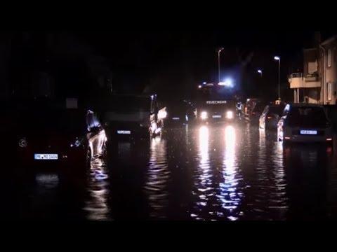 LAND UNTER: Gewitter und Unwetter halten Teile Deutscha ...