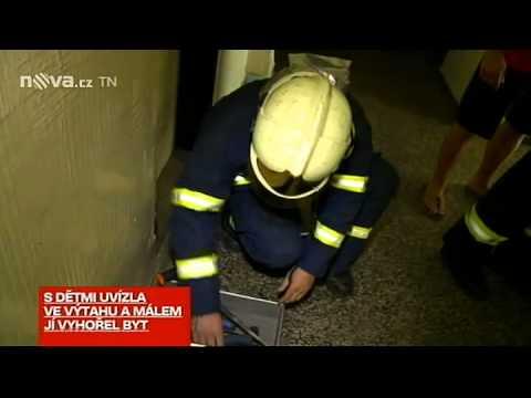 Bába ve výtahu - Zprávy TV Nova z 16. 8. 2012