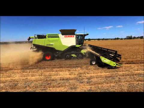 41 Ft (12.3m) Midwest Drapers on Claas Lexion Tera Trac Harvest Combines