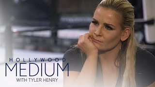 Video Nattie Niedhart Connects to Uncle Owen Hart | Hollywood Medium with Tyler Henry | E! MP3, 3GP, MP4, WEBM, AVI, FLV Maret 2018