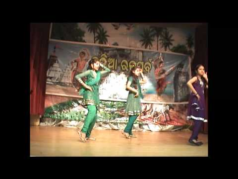 Video Vandana, Ayushi Shreya at London Raja Festival 2011 download in MP3, 3GP, MP4, WEBM, AVI, FLV January 2017