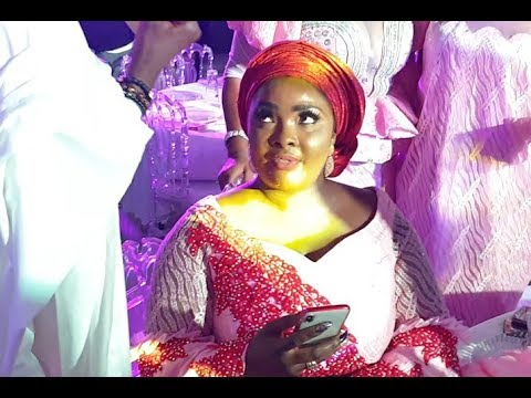 Ronke Odunsanya, Femi Adeebayo Storms in as Ijebu and Funsho Danced at Abimbola & Okiki Wedding