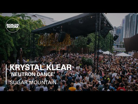 "Gerd Janson Dropping Krystal Klear's ""Neutron Dance"" At Sugar Mountain"