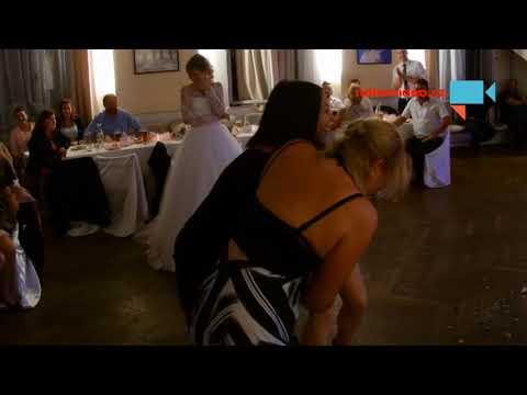 Souboj o svatební kytici