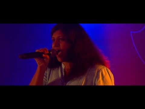 Video La Isla Bonita - Cover by Cindy Nandakumar download in MP3, 3GP, MP4, WEBM, AVI, FLV January 2017