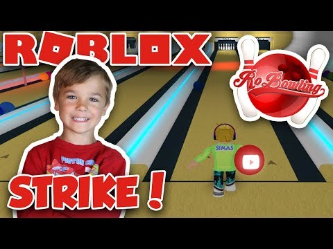 PLAYING BOWLING in ROBLOX  MY FIRST STRIKE EVER! (RoBOWLING)
