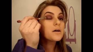 Maquiagem roxa para a noite por Alice Salazar - Parte 1