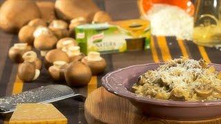Leve a água a ferver com os caldos  Knorr Natura de Legumes e mantenha sobre o lume a borbulhar suavemente.