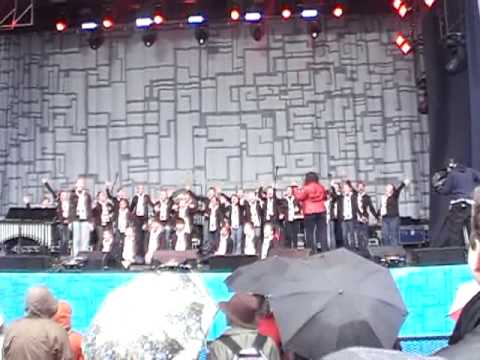 Dondi choir - SO exciting to sing for the opening of LiveCity Yaletown Vancouver 2010 Celebration Site!