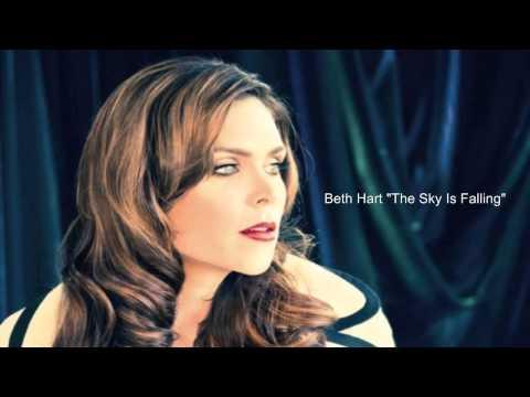 Tekst piosenki Beth Hart - Sky is Falling po polsku