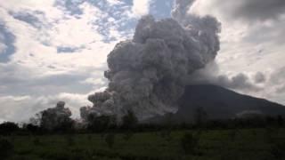 Nonton Volcano explosive eruption - Mt Sinabung, Sumatra, Indonesia, 31/10/2015 Film Subtitle Indonesia Streaming Movie Download