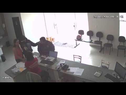 Câmera de segurança registra assalto à mão armada em cerâmica, em Mineiros (GO)