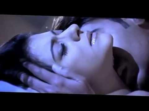 Download Video kajol and ajay devgan hot romance scene