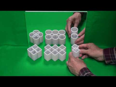 當這些正方形柱體放到鏡子面前,竟然會變左「圓柱體」,當中的原因也太神奇了!
