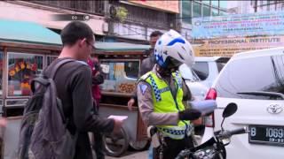 Video Ditilang Petugas, Pria ini Minta Petugas Berlakukan SIM Seumur Hidup - 86 MP3, 3GP, MP4, WEBM, AVI, FLV November 2017