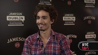 Nonton Robert Sheehan Talks La Living And The Road Within Film Subtitle Indonesia Streaming Movie Download