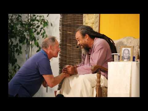 Mooji Video: Listen to These Teachings With a Universal Approach