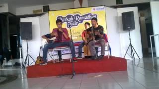 Perform JPS Tresno Jeroning Ati 2 Akustik di JEC