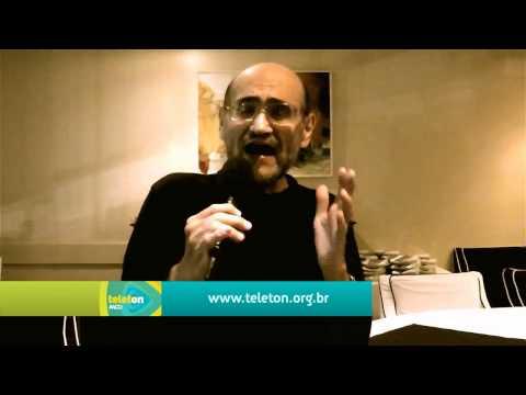 "Seu Barriga do ""Chaves"", Edgar Vivar também apoia o Teleton 2013"