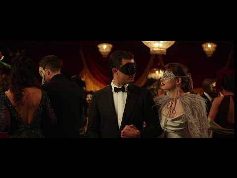 Fifty Shades Darker (Featurette 'The Masquerade')