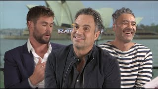 Video Interview Chris Hemsworth, Mark Ruffalo, & Taika Waititi MP3, 3GP, MP4, WEBM, AVI, FLV November 2017
