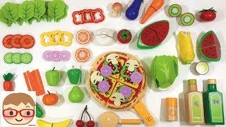 木のおままごとセットをザクザクと切ってみました♪今回は野菜や果物、ピザやサラダのままごとが出てくるよ(⌒▽⌒)ままごとのおもちゃで、野菜やフルーツなど食材の名前を覚えよう!バナナ、みかん、スイカ、キウイ、人参、トマトなどを切っていくよ!今回使ったのは、外国の木のおままごとです。−−−−−−−−−−−−−−↓こちらの動画も人気です♪↓−−−−−−−−−−−−木のおままごとセットと本物の野菜と果物を切る!おもちゃでリアルなやさいの名前をおぼえよう!https://www.youtube.com/watch?v=EvRVNmi3YCYアンパンマン おもちゃ ままごとトントンおいしいなかまたち&たまご&食玩https://www.youtube.com/watch?v=KJVp1zI0q8Eまほうのお寿司屋さん  まほうの楽しいパン屋さん  まほうのティーセット Play house of magichttps://www.youtube.com/watch?v=BRNTMjRBFMA−−−−−−−−−−−−−−−−−−−−−−−−−−−−−−−−−−−−−−−−−−−−−−−◆チャンネル登録はこちら↓(Subscribe)http://goo.gl/mTUINt◆にーさらのツイッター↓(Twitter)https://twitter.com/20sarasa