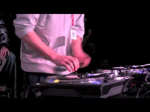 coupe de France DMC 2011 : DJ SKILLZ contre DJ BANAL