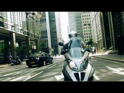 Piaggio MP3 LT 400ie: iGIZMO test drive review
