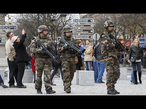 Γαλλία: Συλλήψεις στις έρευνες της αντιτρομοκρατικής-Για νέα χτυπήματα προειδοποιεί ο Βαλς