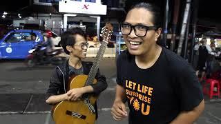 Video Pengamen Difabel Kena sawer 2 Juta - Bawa Lagu Samsons Tuhan Tak Pernah Salah - Suaranya Merdu Bgt!! MP3, 3GP, MP4, WEBM, AVI, FLV Juli 2018