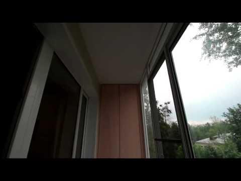 Балкон пример остекления раздвижными окнами и ремонт балкона.