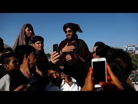 Οι Ταλιμπάν είναι εξοργισμένοι γιατί μέλη τους έβγαζαν…selfies!…
