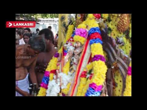 The-annual-festival-of-the-Verugal-Shri-cittiravelayuta-Swami-temple