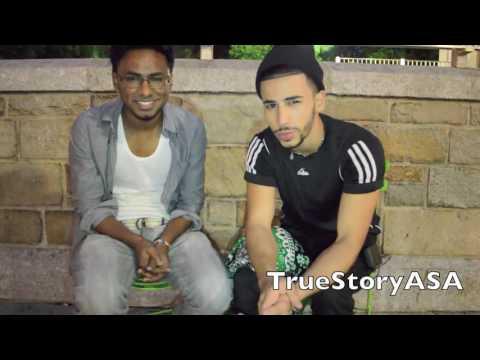 2 ragazzi musulmani pregano per strada guarda le reazioni dei americani.