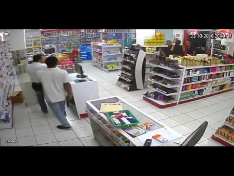 Policial militar evita assalto em farmácia no centro de Rio Verde/MG