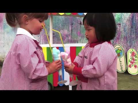 ESCUELA INFANTIL EL BIBIO. LLEGAN LOS DELFINES