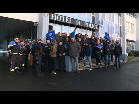 Frankreich: Polizisten bekommen Gehaltserhöhung nach  ...
