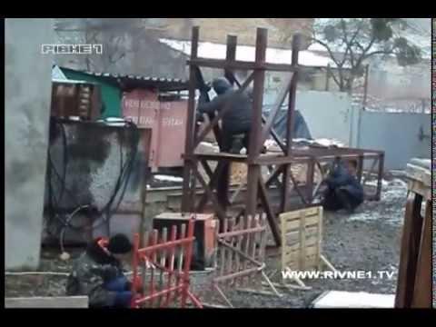 У шумі і смороді живуть мешканці будинку на вулиці Чорновола, 72а у Рівному