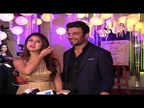 Video Sharad And Kritika Share The Beautiful Memory Of Their Wedding In Shimla download in MP3, 3GP, MP4, WEBM, AVI, FLV January 2017